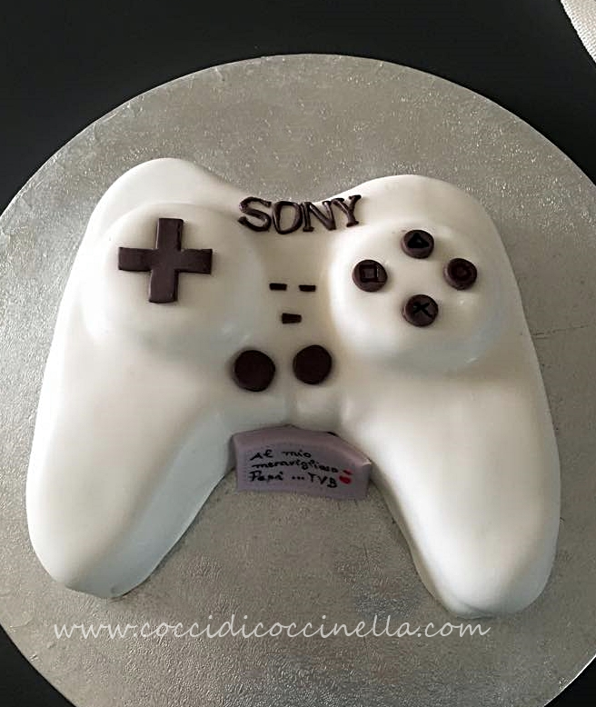 Questa torta mi è stata commissionata per la festa del papà. Un regalo  originale per un papà molto speciale. E\u0027 grazie a lui se il logo di questo  sito è