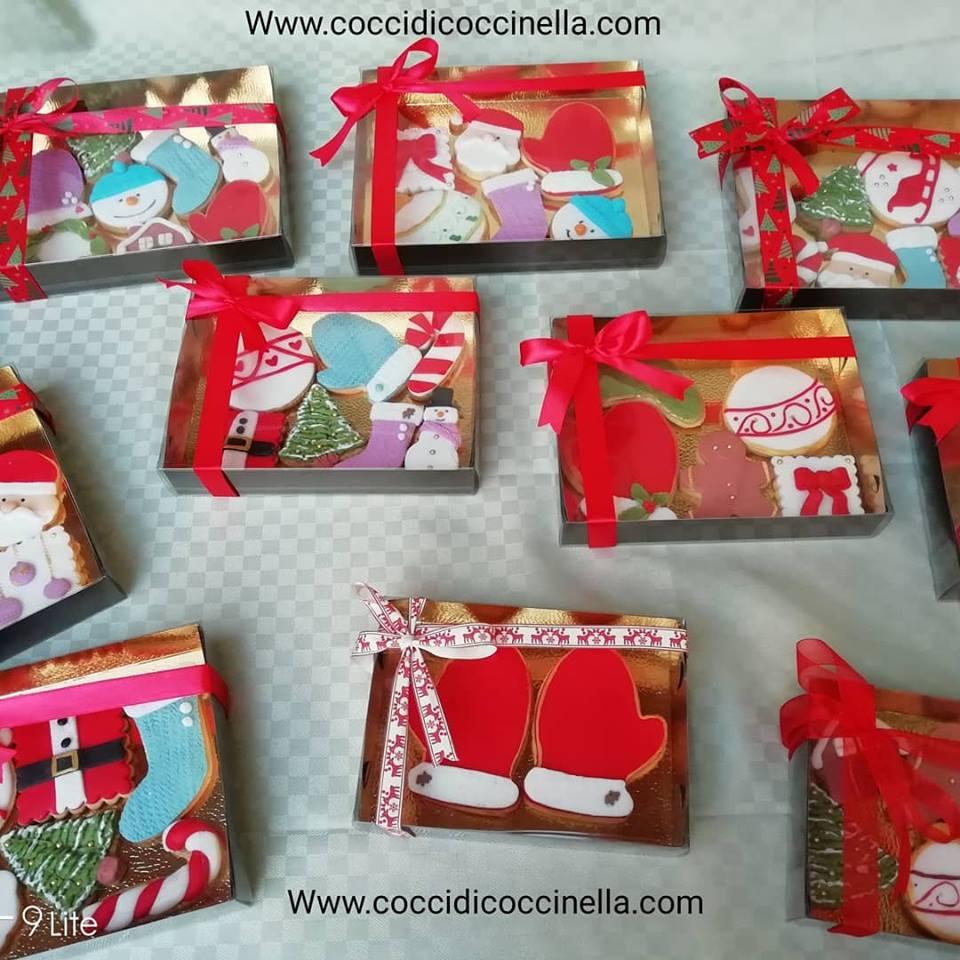 Biscotti Natale Pasta Di Zucchero.Biscotti Di Natale Decorati In Pasta Di Zucchero Cocci Di